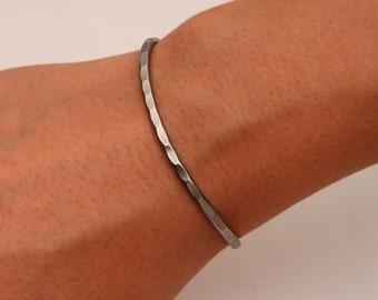 Hammered Cuff Bracelet, Gunmetal (351.n)