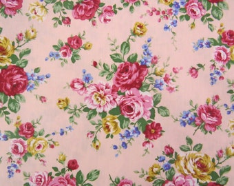 2537B - Lovely Rose Flower Bouquet in Pink, Rose Flower Fabric, Floral Fabric