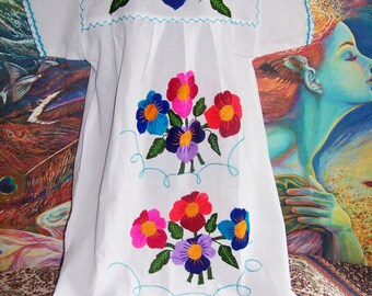White Mexican dress, Embroidered Mexican, Floral embroidery, Frida Kahlo dress, size XL