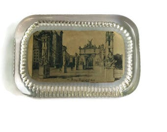 Vintage Photo Paperweight, Vintage Glass Paperweight, Vintage Paperweight, Dewey Triumphal Arch New York, Vintage New York Paperweight