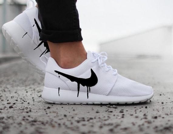 Noir Nike Roshes Avec Swoosh Gouttes