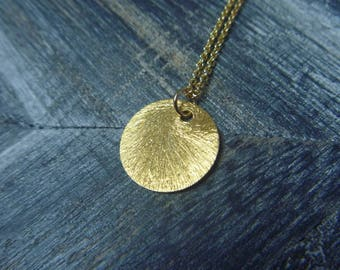 Necklace round gold tone and scratched