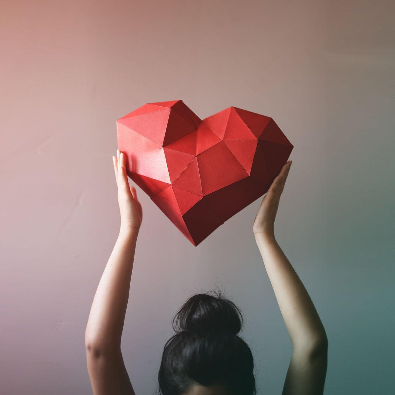 3d geometric heart paper craft low poly paper craft zoom jeuxipadfo Images