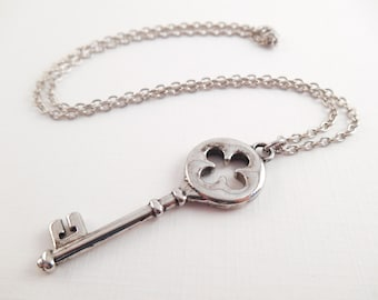 Skeleton Key Necklace - Silver Fancy Skeleton Key Necklace