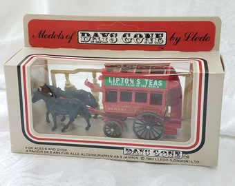 Vintage Lledo Models of Days Gone Litpon's Teas Horse Drawn Carriage Lipton Advertising, Diecast London People