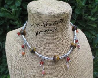 Superbe collier en perles de cornalie et œil de tigre.