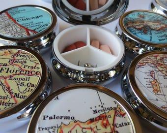 Custom bridesmaids pill box, pill accessory, bride pill cases for purse, bridesmaid gifts, small case, jewellery box, trinket box, mom gift