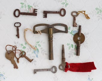 Antique French Skeleton Keys Set of 10 plus Clock Keys - Iron Old Keys - Instant Collection - Jewelry Assemblage Altered Arts