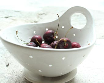Pottery Berry Bowl with Handle - Medium Size - Ceramic Colander