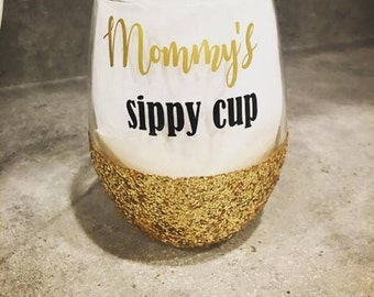 Mommy's sippy cup, mommy's juice, mimi's juice, Glitter wine glasses, stemless wine glass, personalized wine glass