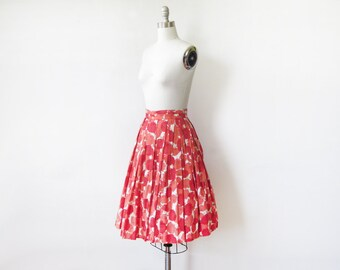 50s red floral skirt, vintage 1950s skirt, red and white floral print skirt, pleated cotton full skirt, 22 w