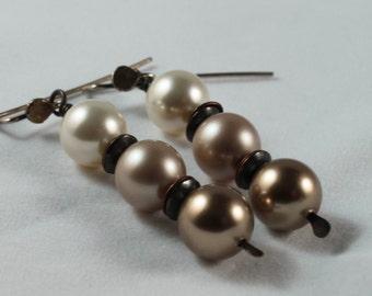 Tri-colored pearl earrings