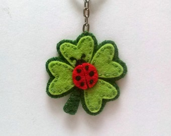 Clover keychain, good luck keychain, Four leaf clover keychain, Felt Ladybug keychain, Fortune bag charm, good luck gift, fortune gift
