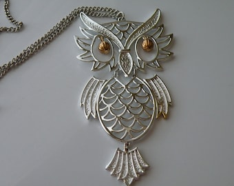 On Sale Wise Owl pendant. Silver tone, gold tone metal. Articulated. 1970-s.