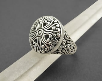 Lace Circle Signet Ring, Sterling Silver