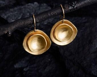 women's earrings, gold earrings,modern earrings,hanging earrings,contemporary