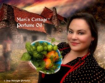 MARI'S COTTAGE™ Perfume Oil - Sweet Spiced Peaches, Caramel, Moss and Greens, Sweet Flower Blossoms, Myrrh - Halloween Perfume