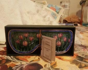 Ceramic eye glass holder