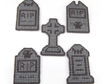 PATTERN: Scary Gravestone Magnets in Plastic Canvas