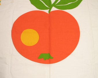 Vintage 70s tablecloth with apple motif