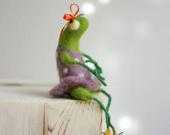 Needle Felt Frog - Needle Felted Animal - Green Frog With A Purple Dress - Art Doll - Spring Home Decor - Green Home Decor - Gift For Her