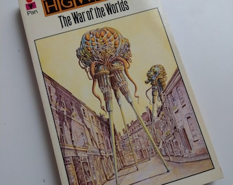 The War of the Worlds by H.G. Wells - A Pan LTD Book (1975)