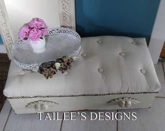Ottoman//Cottage Furniture//Cottage Decor//Farmhouse Furniture//handmade//Cottage Furniture//Cottage Decor//French Country Furniture