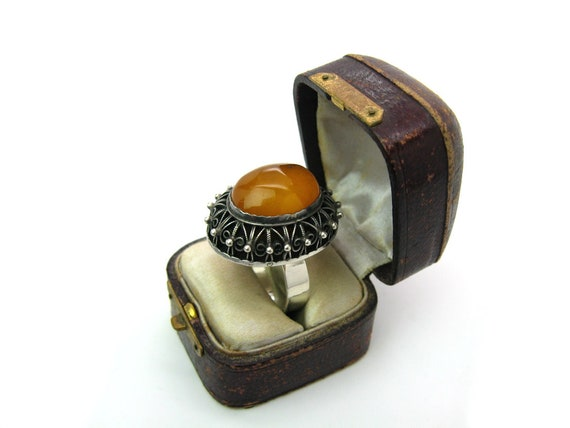 Large Soviet Russian Baltic Amber Etruscan 875 Silver Ring