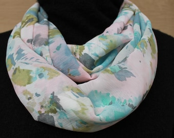 Floral Infinity Scarf. Infinity scarf. Blue infinity scarf. Flower scarf. Floral scarf. Gift. Mothers day gift. Birthday gift
