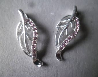 x 5 gorgeous charm pendants 25 x 10 mm silver plated Pink Rhinestone leaves