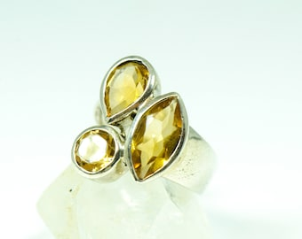 Citrine Ring // Size 5 // Yellow Citrine Gemstone Facets // The Crystal Garden