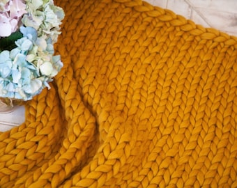Cozy hand knit throw, Chunky wool blanket, Hand knitted, Gift for her, Christmas gift, Chunky knit, Handmade blanket, Chunky knit, Gold,