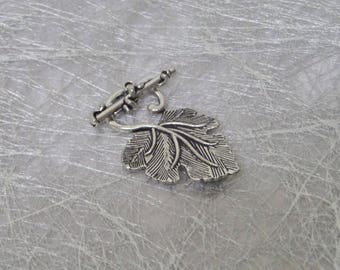Silver plated Vine Leaf toggle clasp