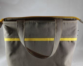 Lunch Bag, Adult Lunch Bag, Insulated Womens Lunch Bag,  LargeSize, Zipper Top, Inside  Pockets, Dark Taupe/Grey, Choose Your Contrast Color