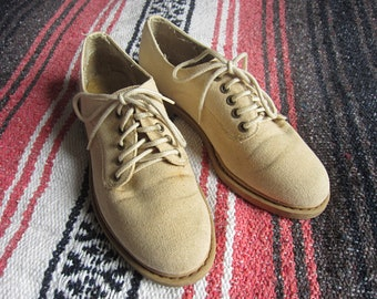 Size US 6.5 Women's 80s / 90s Canvas Lace Up Shoes / Unlisted by Kenneth Cole, Sneakers, Round Toe, Rubber Sole