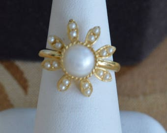 Faux Pearl Floral Ring, Gold tone, Adjustable, Size 5-1/2-7, Vintage (AE1)