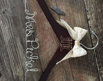 Western Cowboy Boots Wedding Hanger / Rustic Brides Hanger / Bridal Hanger / Country Wedding / Rustic Wedding / Personalized Hanger