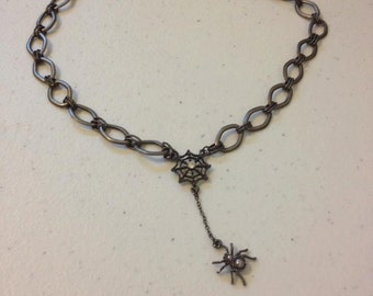 Caught in your web --short necklace