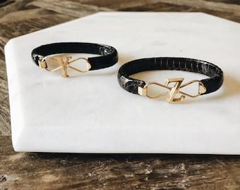 """Vintage Gold Monogram """"Y"""" """"Z"""" Black Snake Skin Effect Bracelet Size O/S"""