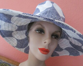 Navy White Trina Turk Floppy Print Packable Wide Brim Hat Cruise Sun Beach Summer