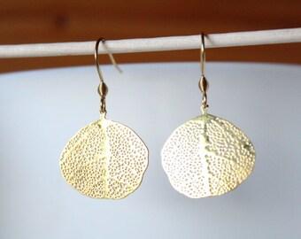 Golden filigree leaf earrings