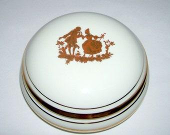 Limoges Courting Couple Jewelry Powder Box Legle Porcelaine d'Art