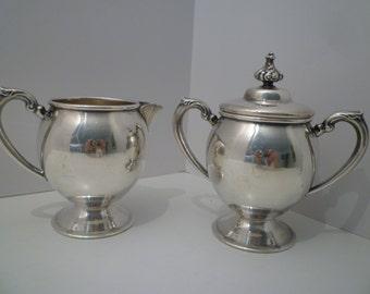 SUGAR & CREAMER. Vintage SILVERPLATE Sugar and Creamer Set. Elegant 1940's Sugar and Creamer Set. Vintage Vernon Silverplate Tableware.