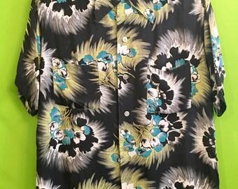 1950s Holiday Cold Rayon Hawaiian Shirt M