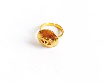 Vintage Gold Designer Button Ring