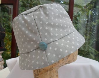 Grey/white cotton hat