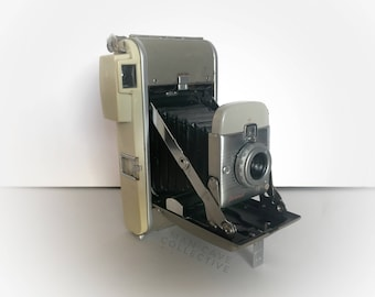 Polaroid Land Camera Model 80 Vintage Classic Man Cave Photographer's Display Collection