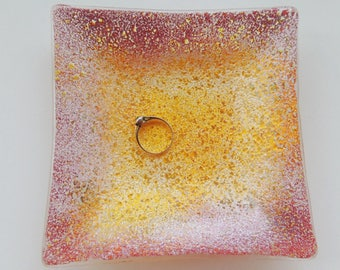 Fused glass plate, painted fused plate,red yellow white square ring plate