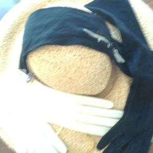 2 pairs 50's gloves. Long black suede. Beige kid leather. 6 and half size. 50's