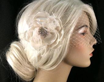 Bridal Flower Fascinator, 1920s Headpiece, Bridal Fascinator, Bridal Flower Fascinator, Wedding Flower Fascinator, Flower Fascinator, Veil